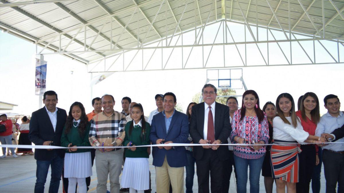 Inauguran cancha deportiva en secundaria de Zacatelco