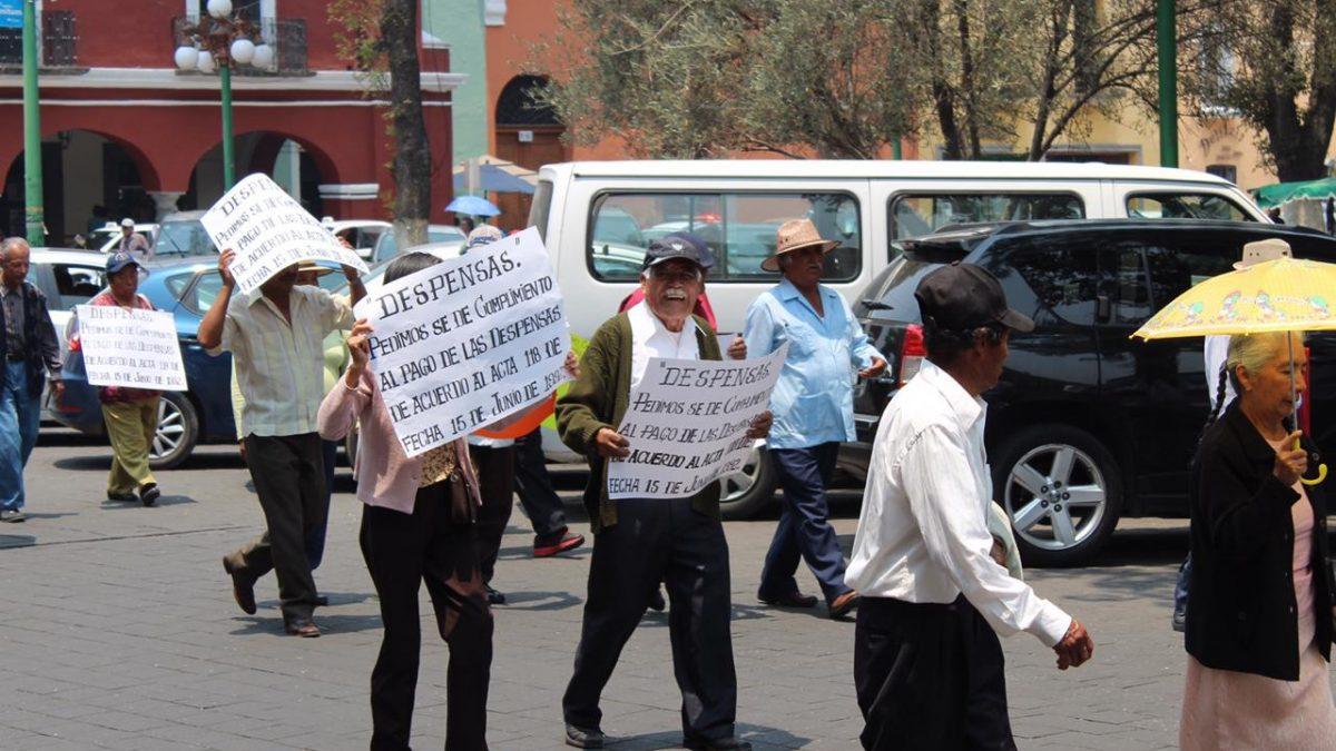 ¿Por qué se manifiestan los pensionados en Tlaxcala?