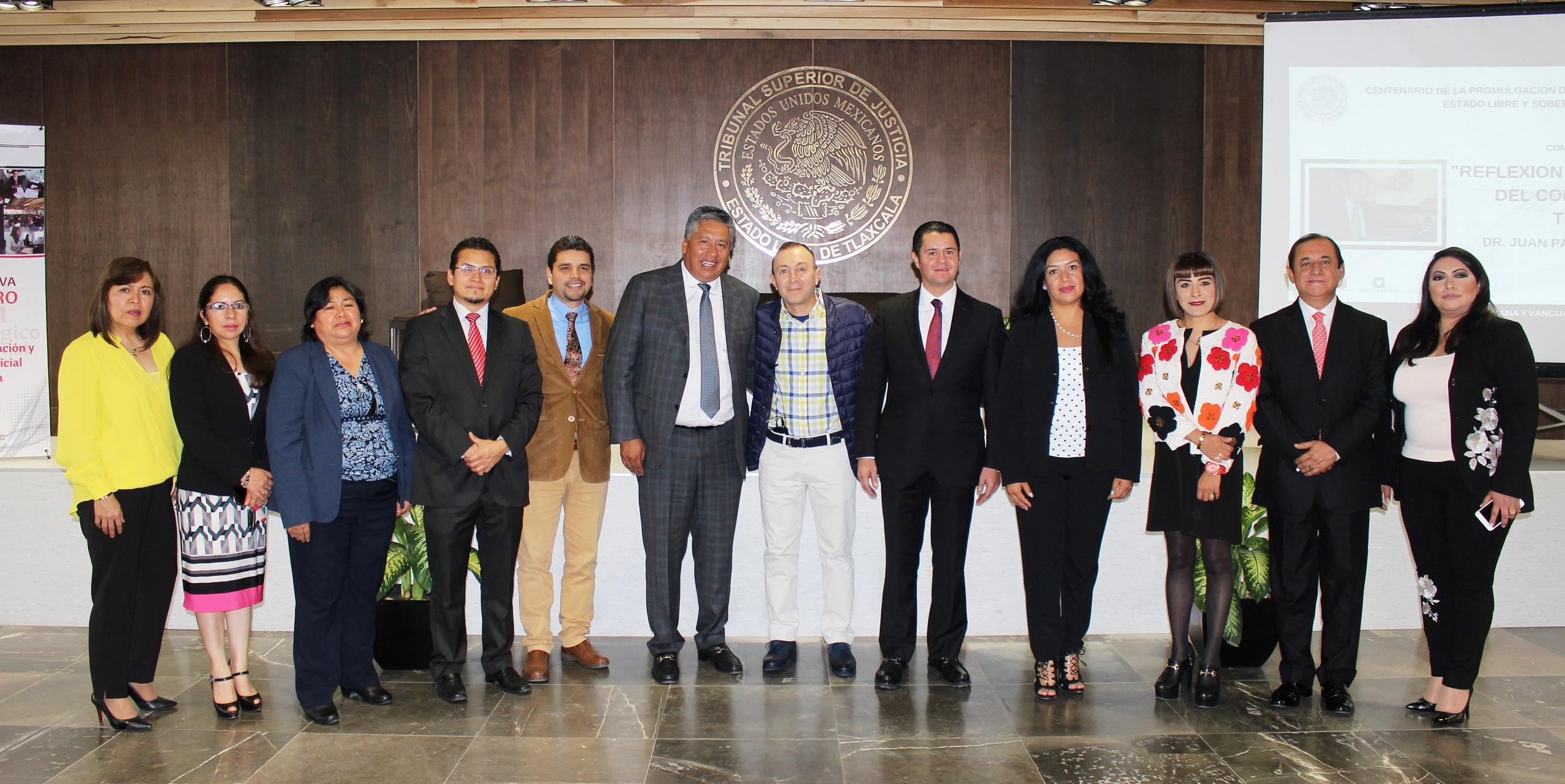 "Diserta conferencia magistral ""Reflexión histórico-jurídica del constituyente en Tlaxcala"""