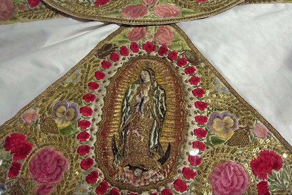 Virgen-Caridad-Huamantla-Bordado-Canutilla-Tlaxcala-Tradición-Religión