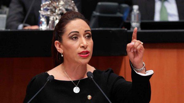 Adriana-Davila-Escenario-Tlx-senado.congreso-scaled.
