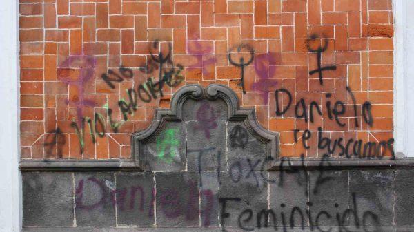 delito-pintas-8M2021-Mujeres-Tlaxcala-Feminicida-Estado-Colectivo-Mujer y Utopía