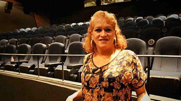 trans-activista-teatro IMSS-Paola Jiménez-